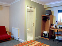 A Typical Family Room at Comfort Inn Kings Cross