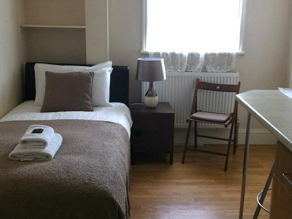 aviva studios hammersmith west central london. Black Bedroom Furniture Sets. Home Design Ideas